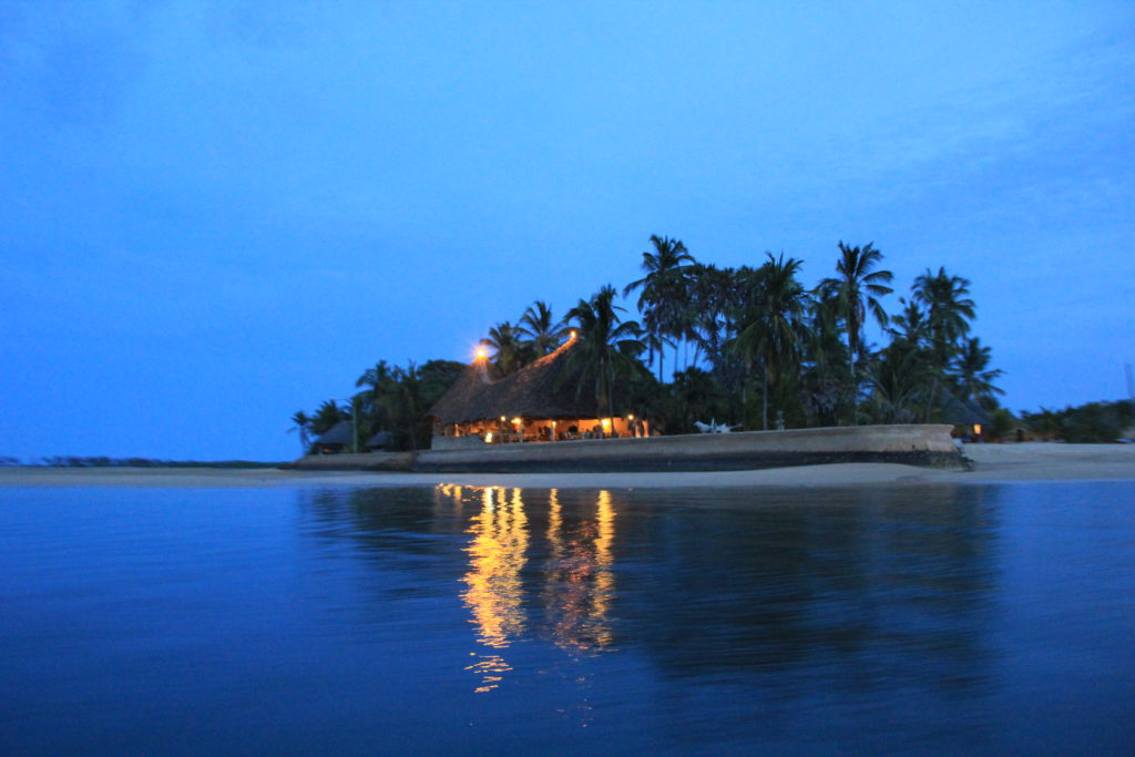 Lilmissbelle- Manda Island